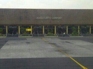 Adisutjipto airport