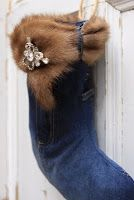 This is a fun idea and I can use the fur color from my old winter coat!