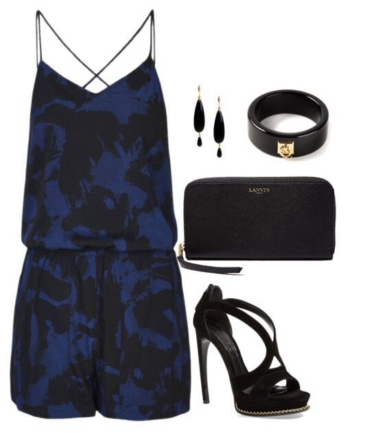 A night out with the girls. Summer fashion, outfits, what to wear to a club, fashion over 35.