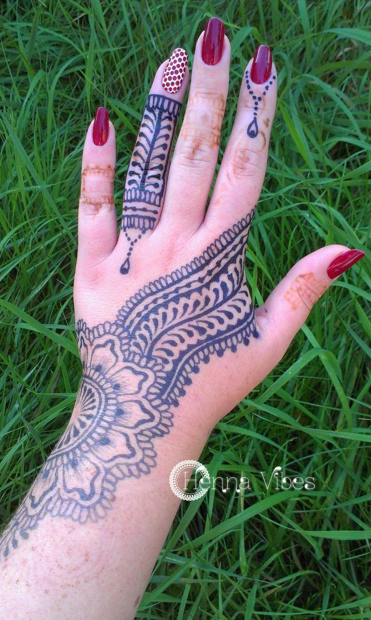 Jagua body art by Henna Vibes