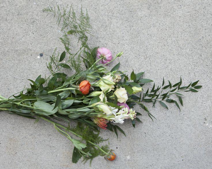 How To Arrange A Wedding Bouquet