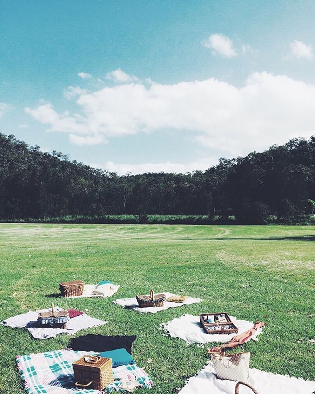 Wedding Inspo | Canapé alternative: Mix match picnic hampers were on point at a recent wedding #krewandco #wedding #weddinginspiration #picnic #outdoorwedding #bride #groom #love #happiness #food #canapes #hamper #celebrate #relaxed #picnicrug #cocktailhour #brideandgroom #festivalwedding #wisemansferry #outdooradventurecamp #customkrew