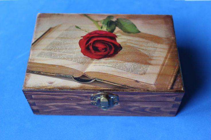 Caja de madera decoradas a mano rosa y libro cajas - Cajas decoradas a mano ...