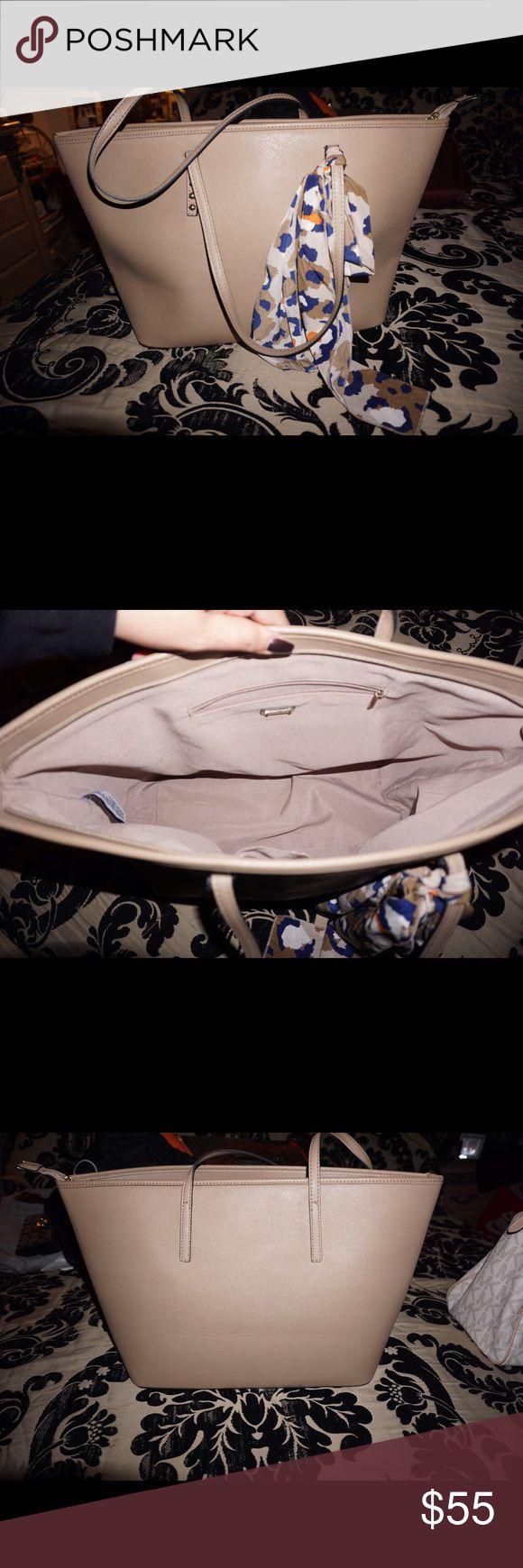 ❗️Reduced❗️Aldo tote bag! Beautiful bag for those of you who love big purses/ book bags. Aldo Bags Totes