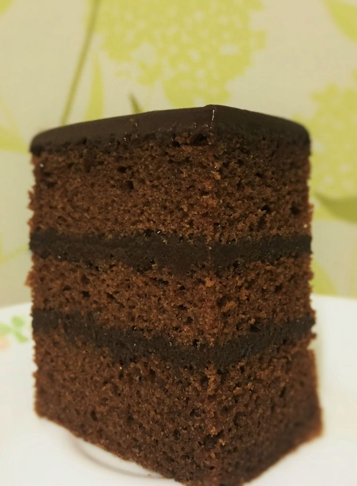 Chocolate Pound Cake with chocolate ganache 8 inch square pan or 9 inch round or two 8 x 5″ loaves 180g Butter 150g castor sugar 25 g cocoa powder 145g milk 4 egg yolks 200g all-purpose flour…
