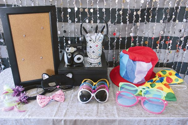 teen-party-photo-booth-table