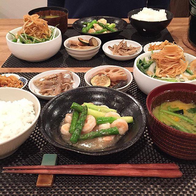 hi_rose80 on Instagram pinned by myThings Today's dinner .  海老とアスパラの生姜あんでこんばんは☺︎ .  お味噌汁に入れた南瓜が甘くて美味しかった♡ .  常備菜はこれでほぼ無くなりました‼︎ . .  ごちそうさまでした! . .  #dinner #homemade #japfood #japanesefood #japanesemeal #foodie #foodpic #foodporn #kaumo #kurashirufood #cookingram #delistagrammer #クッキングラム#デリスタグラマー#夕飯#夕食#晩ごはん#おうちごはん #新米ママ #男の子ママ #生後9ヶ月 #9months #5月生まれ