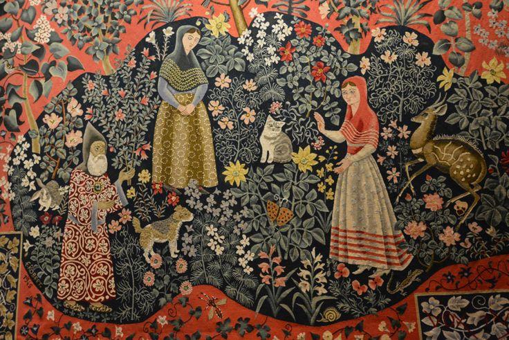 """""""Magnificat"""" : cette tapisserie de 1945 porte en elle tout l'univers de Dom Robert : les fleurs des jardins et des prés, les papillons, les oiseaux ..."""