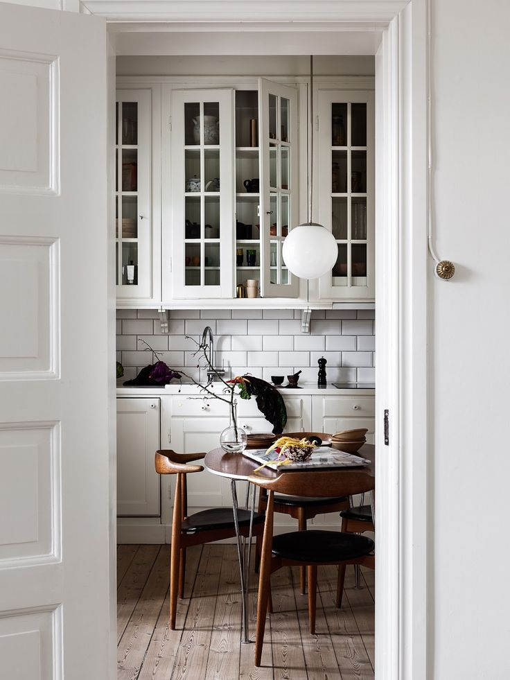 SOMETHING BEAUTIFUL: At home with illustrator Jonna Fransson