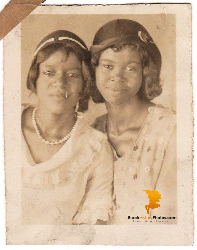 Antique Pretty African American Women Photo Old Black History Americana. https://blackhistoryphotos.com/collections/vintage-1940-present-photos-african-american