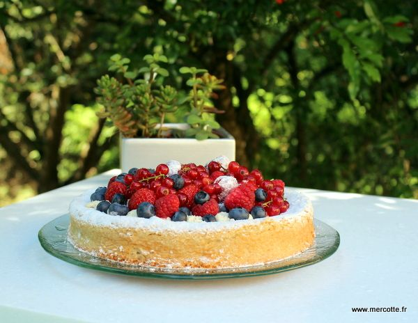 Les desserts au citron ont toujours un succès incroyable et des carrés au citron je crois que toute la blogosphère culinaire en a déjà testé, je dois être une des rares à ne pas l'avoir fait.…