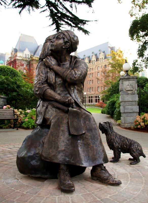 Emily Carr statue - Victoria, BC, Canada