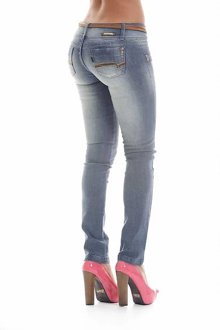 marcas de moda colombiana detallada cada una su coleccion, moda casual, jeans, deportivos y lingerie