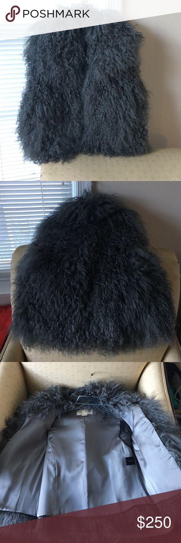 Michael Kors real fur vest size S Michael Kors real fur vest size S. Has two pockets.Wore only once. In excellent condition👌I take reasonable offers😊 Michael Kors Jackets & Coats Vests