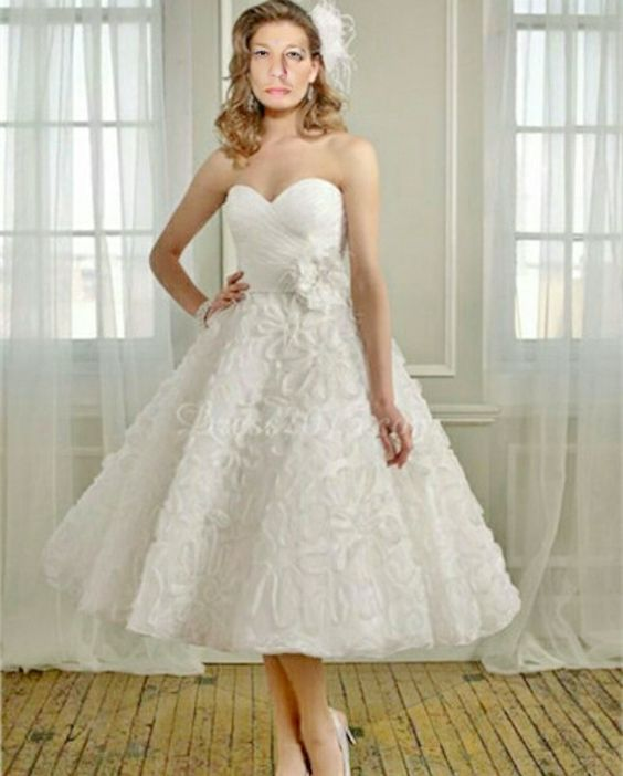 116 best Brautkleider images on Pinterest | Wedding frocks, Short ...