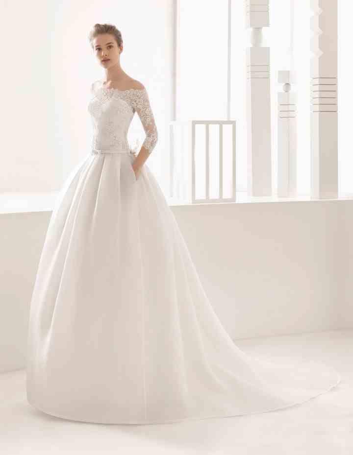 La colección 2017 de la prestigiosa casa de moda Rosa Clará está aquí, te platicamos sobre la tendencia que predominará en cuanto a diseños, texturas y cortes de vestidos de novia.