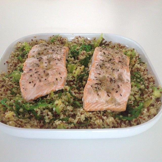 Quinoa met avocado, wakame en zalm #Padgram