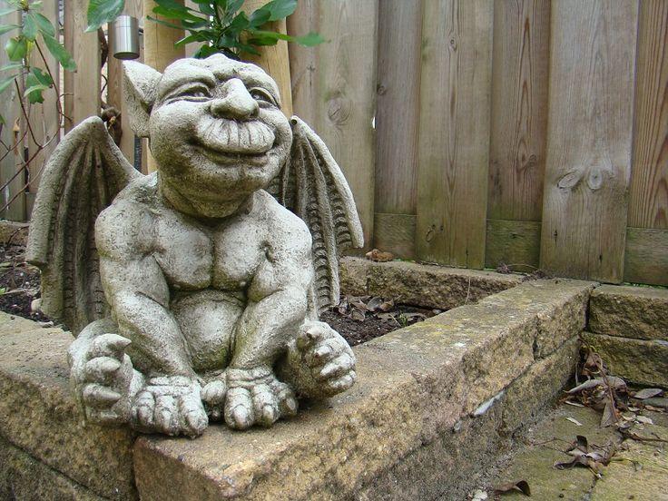 27 best Gargoyles images on Pinterest Sculpture, Garden ornaments