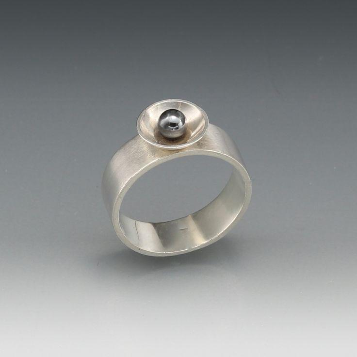 Zilveren ring  (gemaakt bij cursus Edelsmeden: Golden Art Design)
