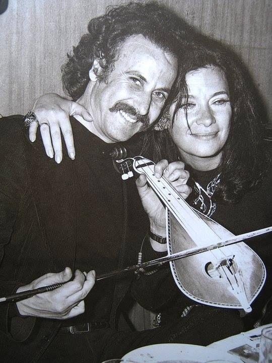"""Ο Νίκος Ξυλούρης και η Τζένη Καρέζη την εποχή που παιζόταν """"Το Μεγάλο μας Τσίρκο"""" ~ 1973"""
