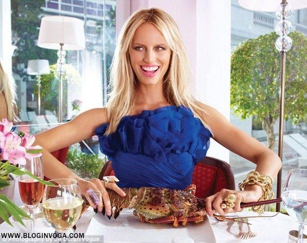 VOGUE BRASIL / Editorial Novembro 2011: Karolina Kurkova por JR Duran.