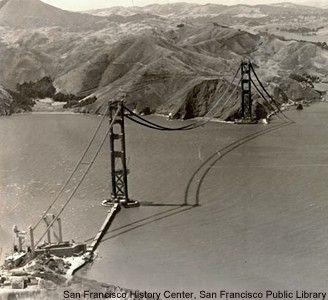 After 75 years still a magnific bridge to watch. The Golden Gate Bridge is synonymous of San Francisco and a engineer jewel to California, US.  Despues de 75 años sigue siendo un puente magnifico al verlo. El puente Golden Gate (Puerta Dorada) es sinonimo de San Francisco y una joya de la ingenieria para California, EEUU.