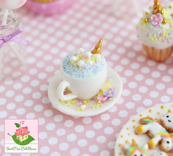 Miniatuur Unicorn cup voor poppen en poppenhuizen. Schaal