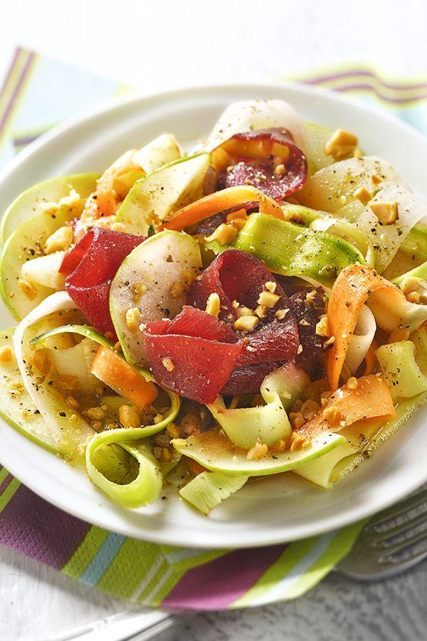 tagliatelles de legumes crus en salade
