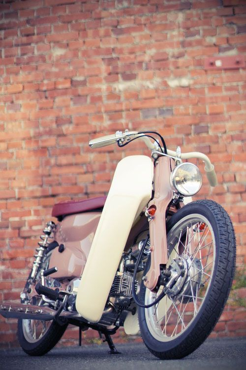 Free the wheels - Honda Cub Bobber