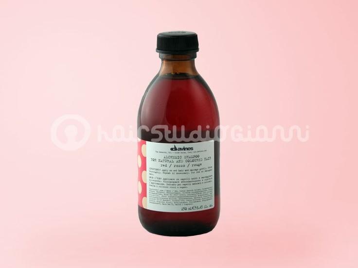 Shampoo ROSSO Davines   shampoo rosso ideale per ravvivare capelli colorati o naturali di tonalità rossa o mogano.  Per saperne di più clicca sul seguente link:  http://www.hairstudiogianni.com/Alchemic-System/Shampoo-ROSSO-Davines-250ml.html