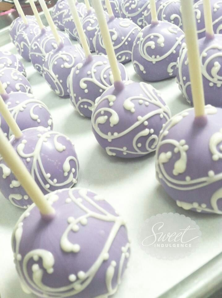 Lavender and swirls Cake pops. Love the detail!