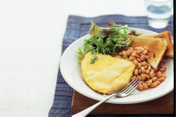 Kijk wat een lekker recept ik heb gevonden op Allerhande! Omelet en witte bonen intomatensaus