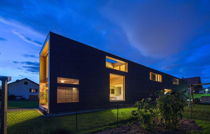 37 meter hus av Juri Troy – http://www.tidningentra.se/notiser/utmanande-planlosning – #arkitektur i #trä
