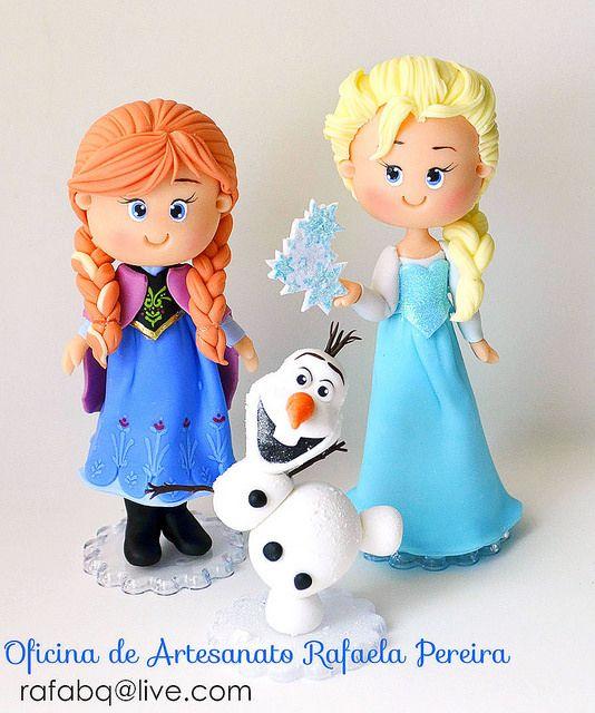 Elsa, Anna e Olaf de Frozen! Topo de bolo fofinho! Orçamentos e informações pelo rafabq@live.com Agora sim, foto sem Flash! hehe