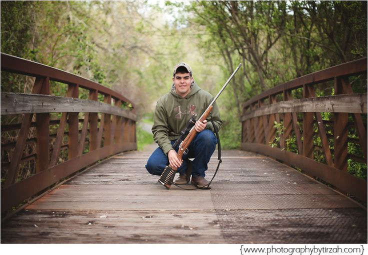 I'd LOVE to do this for my senior picture..<3 Maybe sitting and leaning against the rails of the bridge and having my gun lay across my legs.