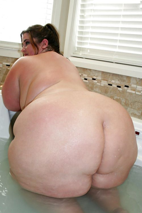 ssbbw in bath nude