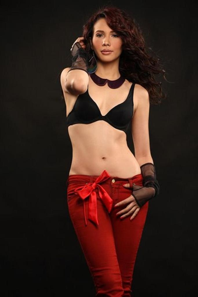 Singer Tv Host And Filipina Actress Karylle Sexy Pinay