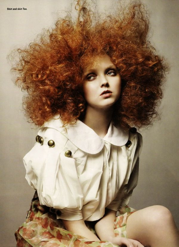 Lily Cole is one of the most beautiful people I know.  There's just something so completely captivating about her that you can't look away and you can't help but be drawn to.