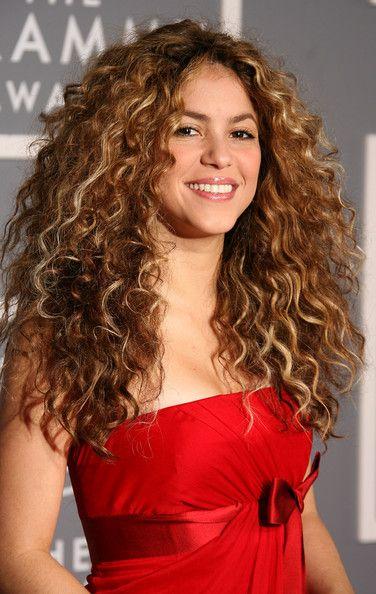 Shakira Natural Hair