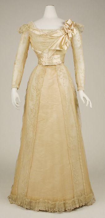Evening Dress, Jeanne Paquin, 1898-1900. The Metropolitan Museum of Art