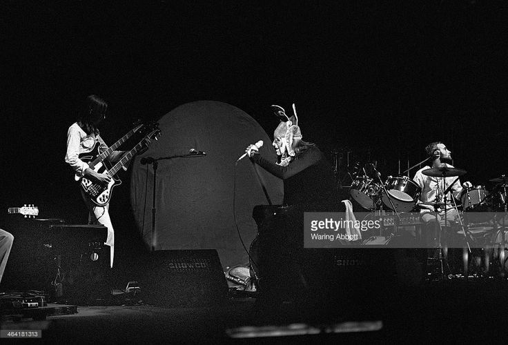 Lead Singer of Genesis | Guitarist Mike Rutherford , lead singer Peter Gabriel and drummer Phil ...