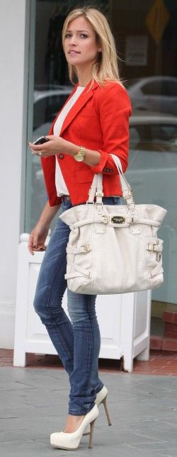 Kristin Cavallari wearing the Michael Kors Gansevoort Tote. November 2010 I  would totally wear this (different shoes)
