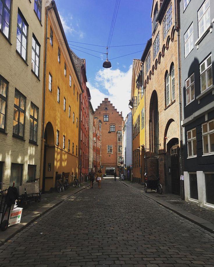 Qué significa Hygge?  #Denmark #Copenhagen #hygge #love #life #happy #instalove #instamoments #photography #architecture #travel #azulcolorcielo