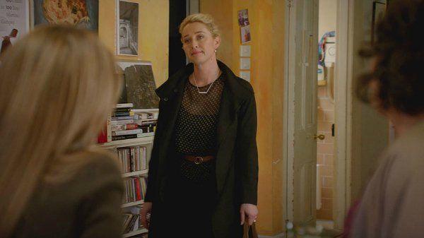 Offspring Season 6; Episode 10 | Nina Proudmand wears Scanlan Theodore black…