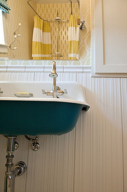 Vintage Trough Sink : ... vintage-style trough sink for a double vanity! Photo by Suzi Q. Varin