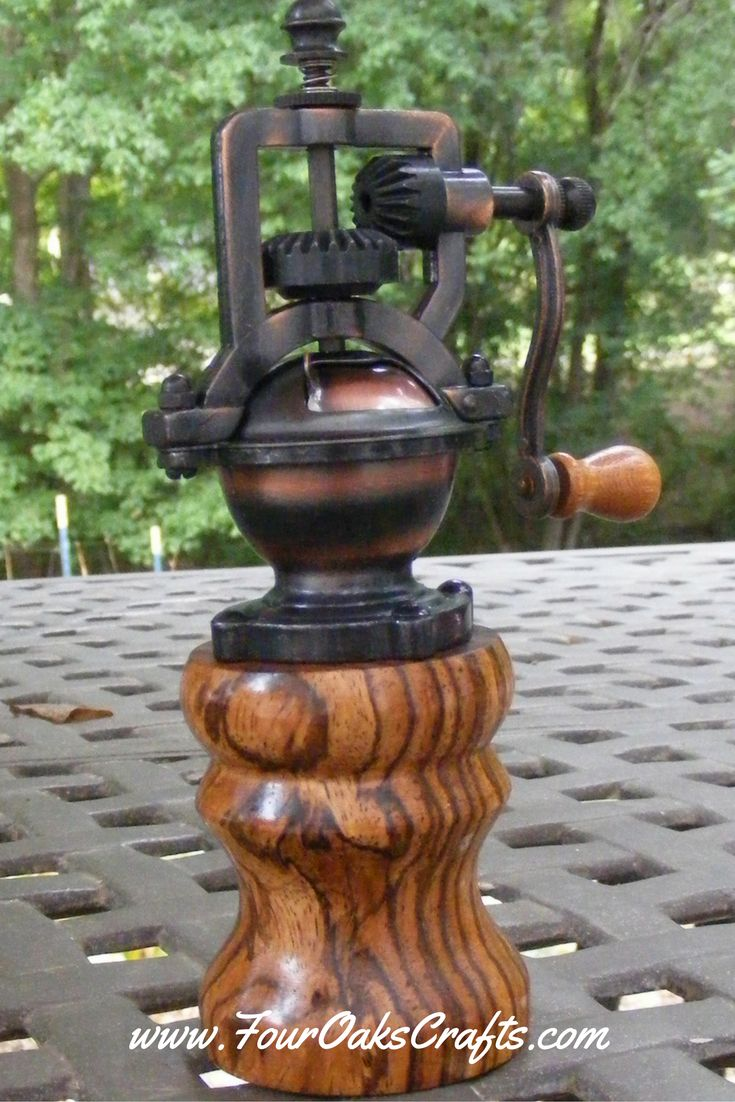 DIY Woodworking Ideas Learn step-by-step how to make an antique pepper mill. A great and fun project f...