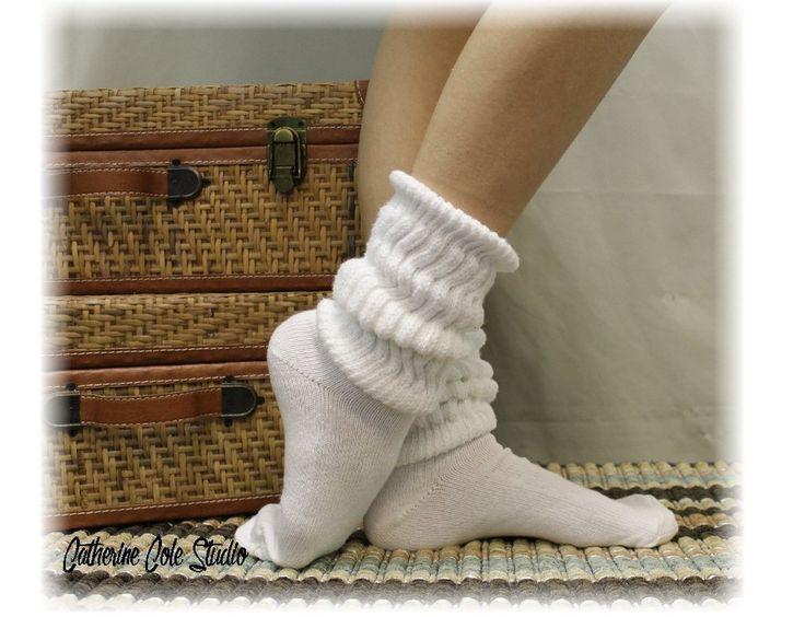 CUDDLY KITTEN slouch socks - white