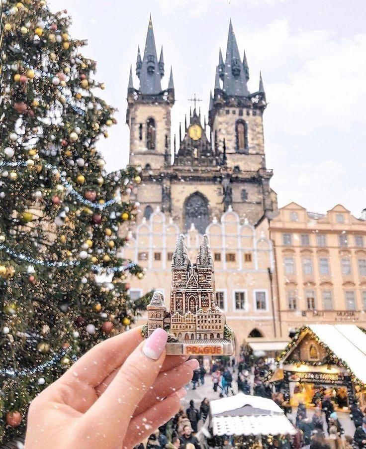 Travel Clothes Summer Travelfashion In 2020 Prague Christmas Prague Travel Prague