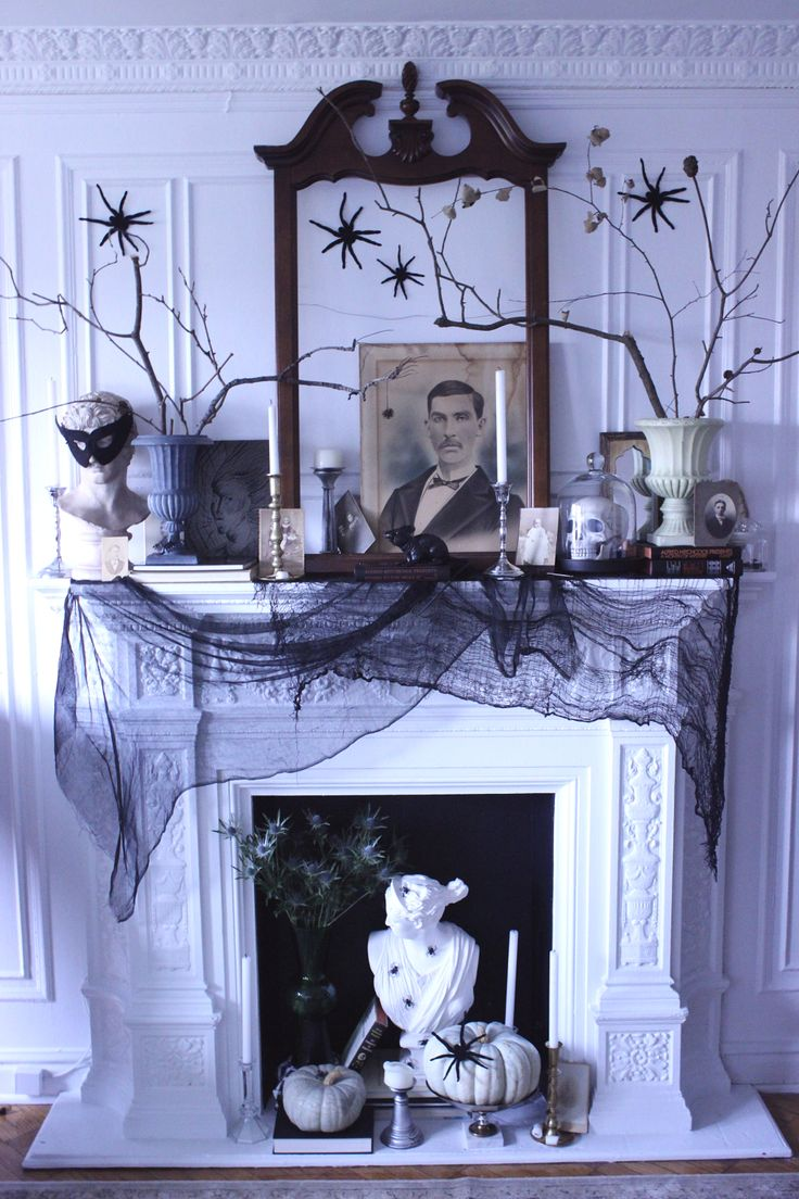 531 best Halloween images on Pinterest Craft, Day of dead and - black and white halloween decorations