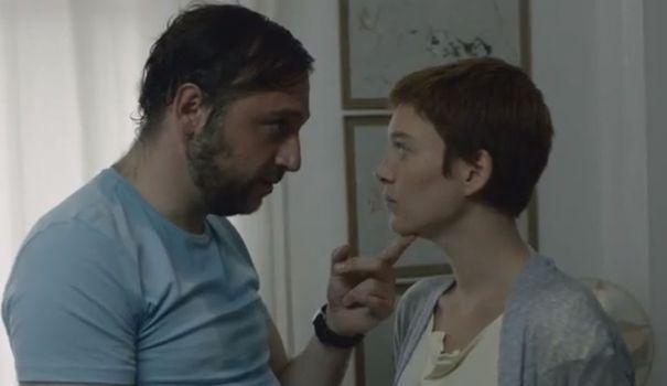 La fiction mettant en scène Fred et Marie dénonce la forme de violence conjugale la plus répandue: la violence psychologique.